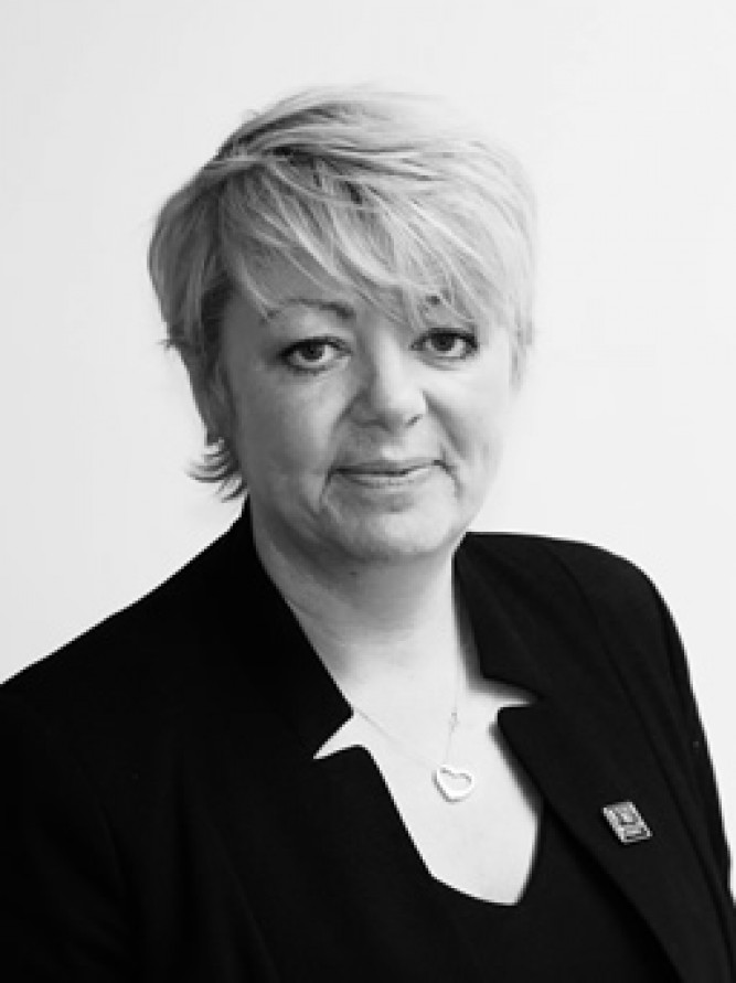 Carol Fairclough, Sales Manager