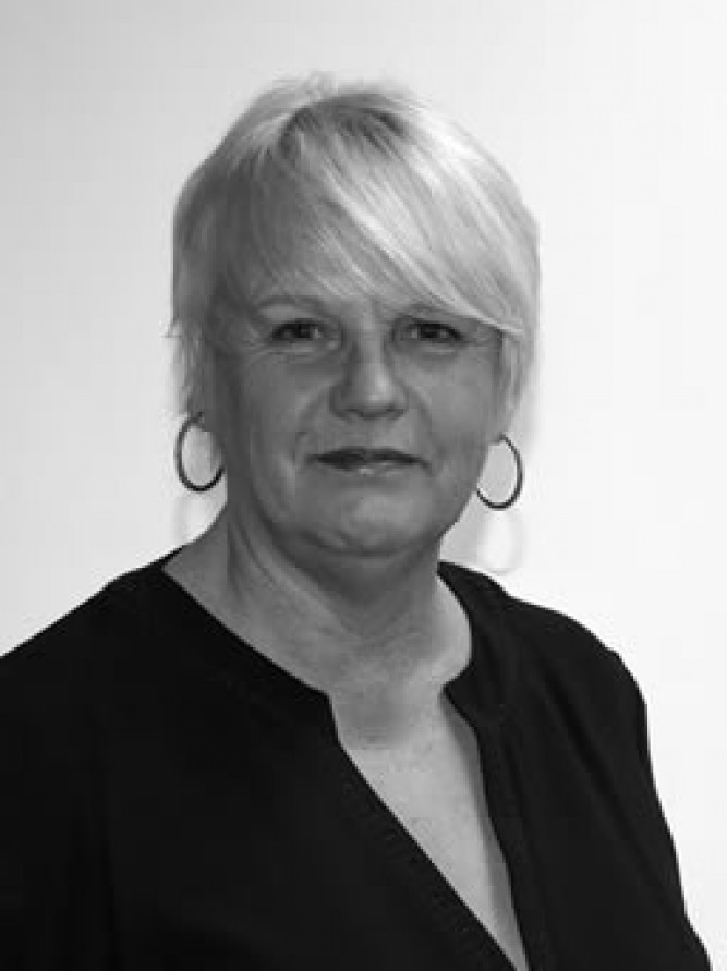 Kathy Sykes, Sales/Viewing Consultant